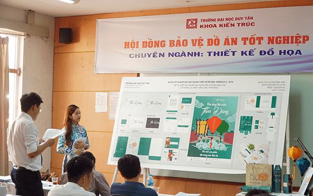 Sinh viên ngành Thiết kế Đồ họa bảo vệ đồ án tốt nghiệp